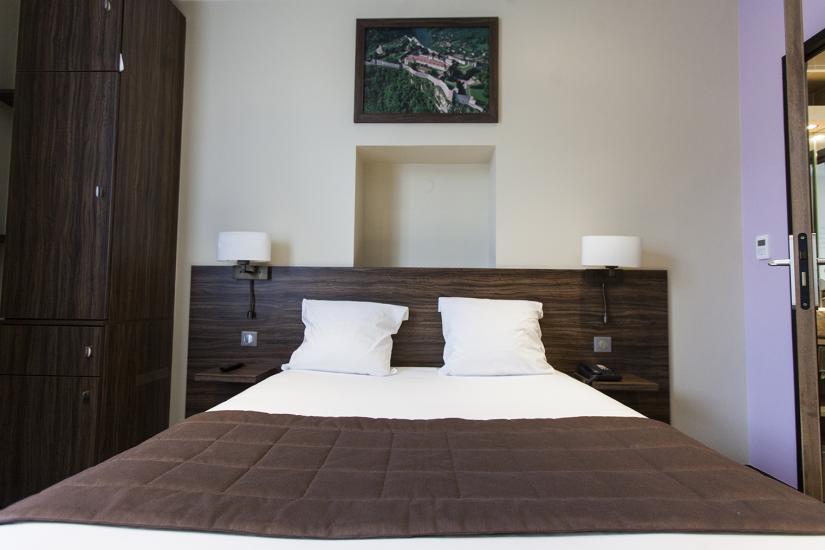 h tel vauban au coeur du centre ville de besancon. Black Bedroom Furniture Sets. Home Design Ideas
